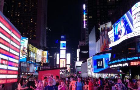 Giulia Lamarca a New York City, Times Square