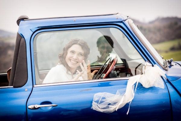 Incidente - Giulia mostra anello di matrimonio